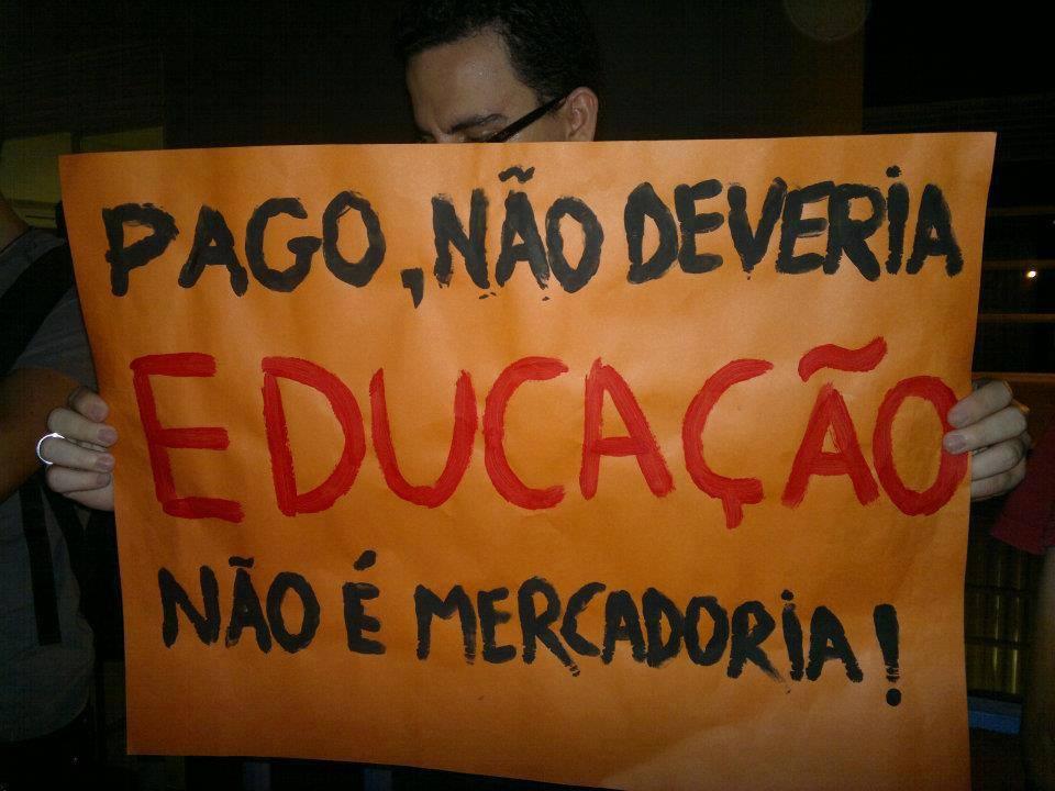 educação mercadoria