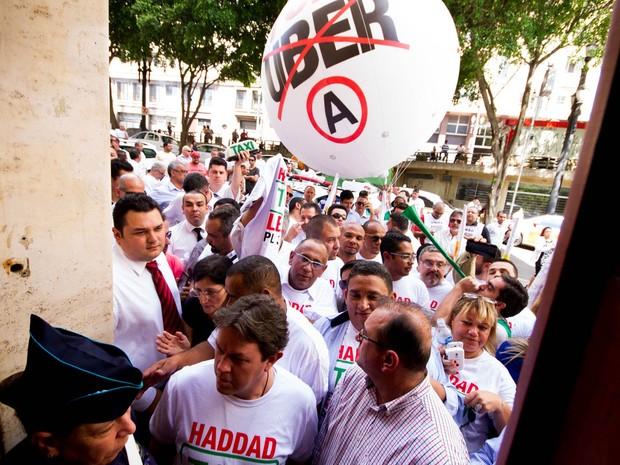 haddad-taxistas-uber