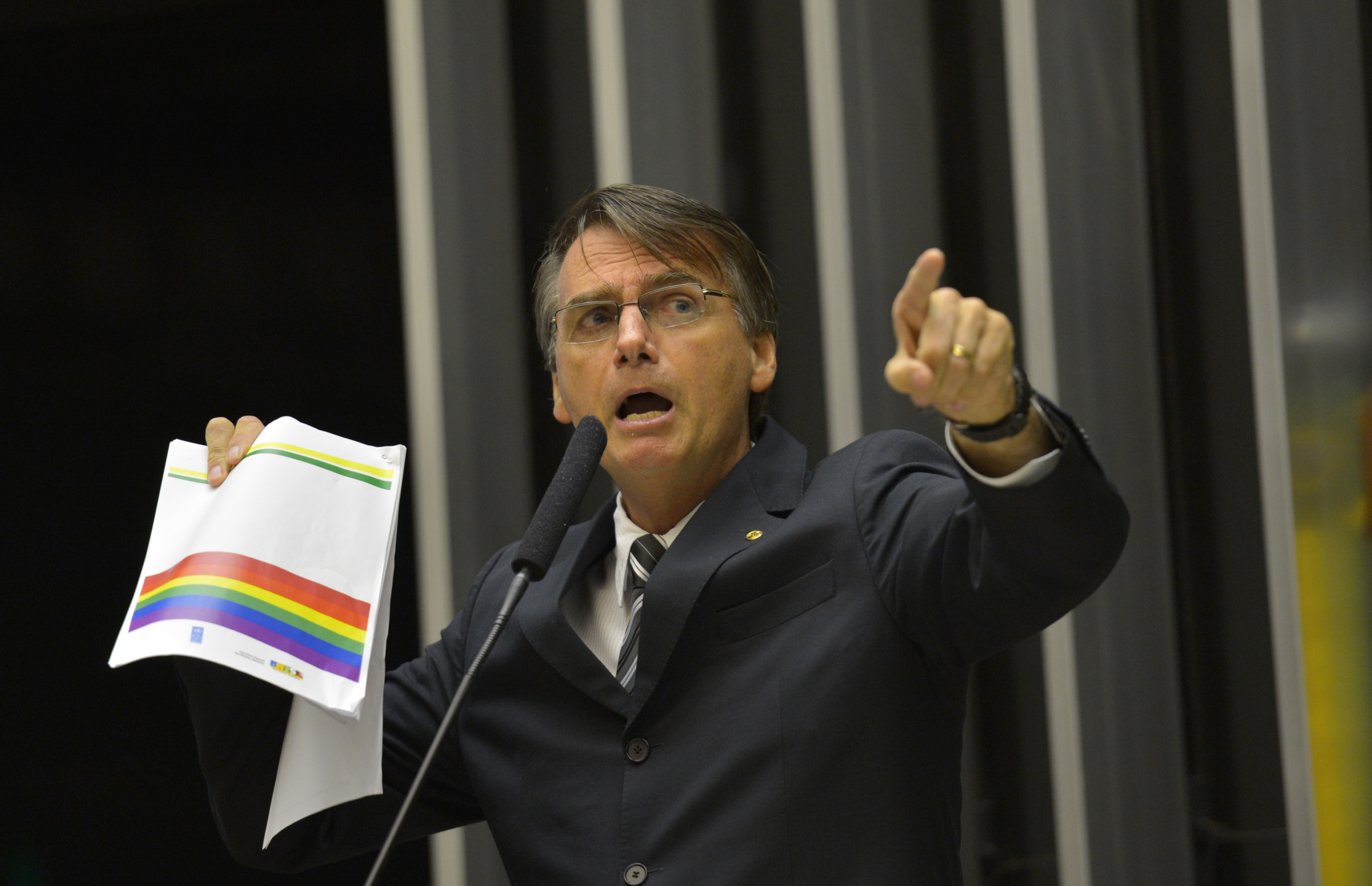 jair bolsonaro kit gay