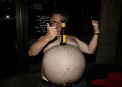 Tiozão da barriga de cerveja