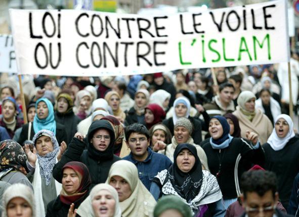 france-hijab-protest