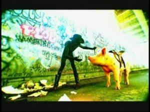 Marilyn Manson com porco