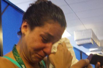 Joanna Maranhão perde e chora