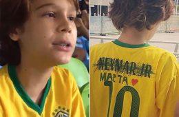 Garoto rabisca nome de Neymar, escreve o de Marta em camiseta da seleção do Brasil e defende o feminismo