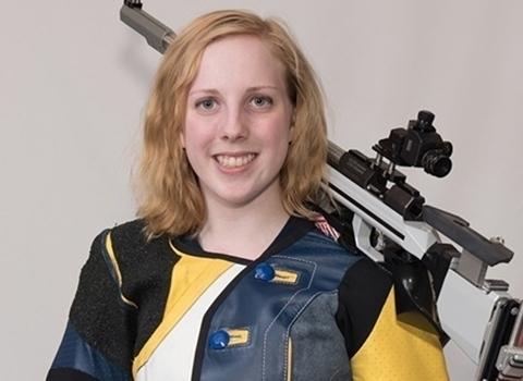 Virgínia Thrasher - medalha de ouro com tiro com rifle