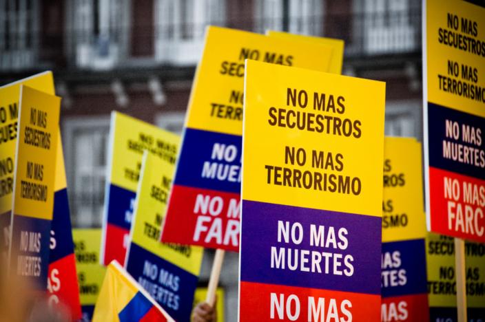 No más FARC - no más secuestros, no más muertes, no más terrorismo