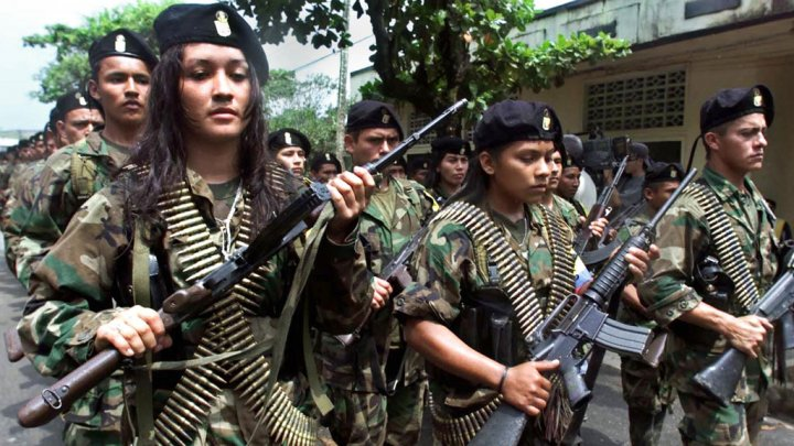 Desfile das FARC em San Vicente