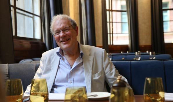Theodore Dalrymple no restaurante