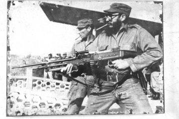 Fidel Castro - metralhadora