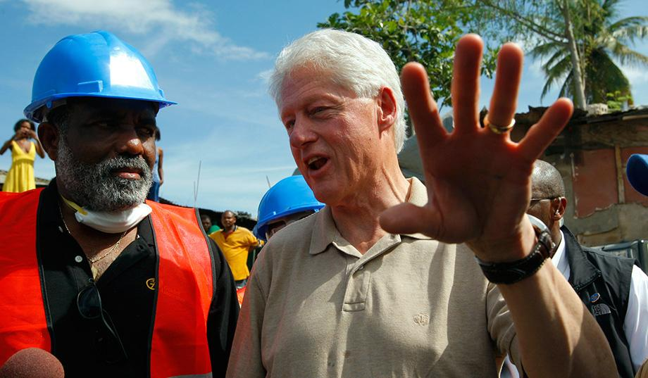 Hillary's America - Bill Clinton e Clinton Foundation no Haiti