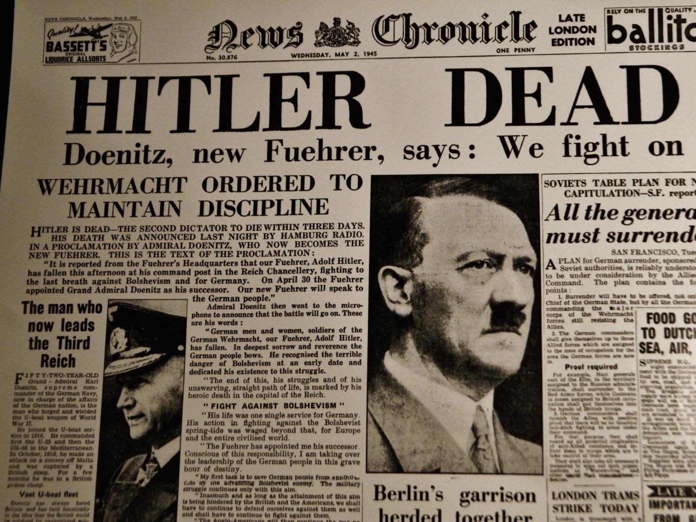 Adolf Hitler is dead. Adolf Hitler está morto.