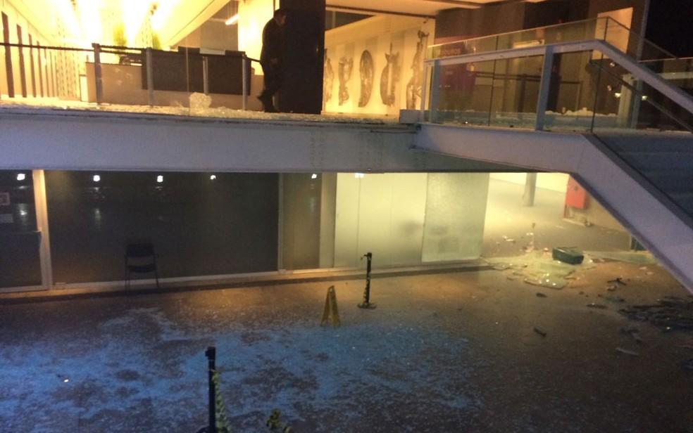 Destruição no Centro Cultural da FIESP