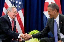 Barack Obama com Raul Castro em Cuba