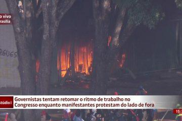 Ministério da Agricultura incendiado por vândalos