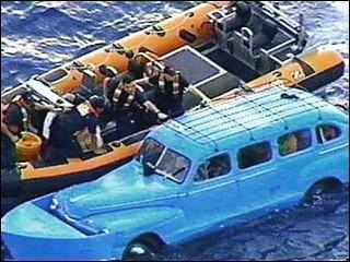 Carro usado como bote para fugir de Cuba