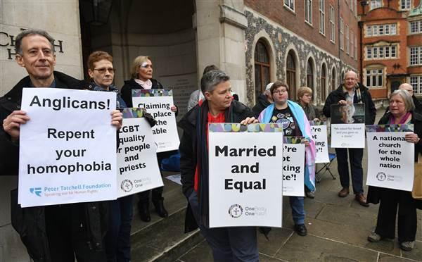 Protesto por direitos homossexuais na Igreja Anglicana, Londres