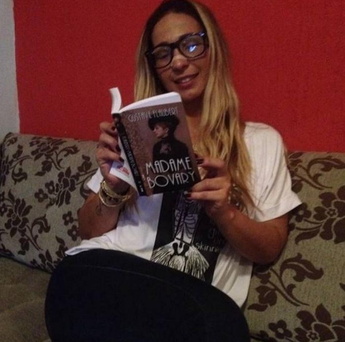 Valesca Popozuda lê Madame Bovary