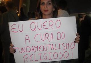 """Cura gay: """"Eu quero a cura para o fundamentalismo religioso"""""""