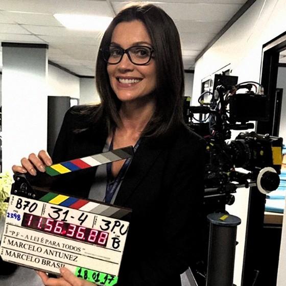 Flávia Alessandra como a delegada Beatriz em Polícia Federal: A lei é para todos