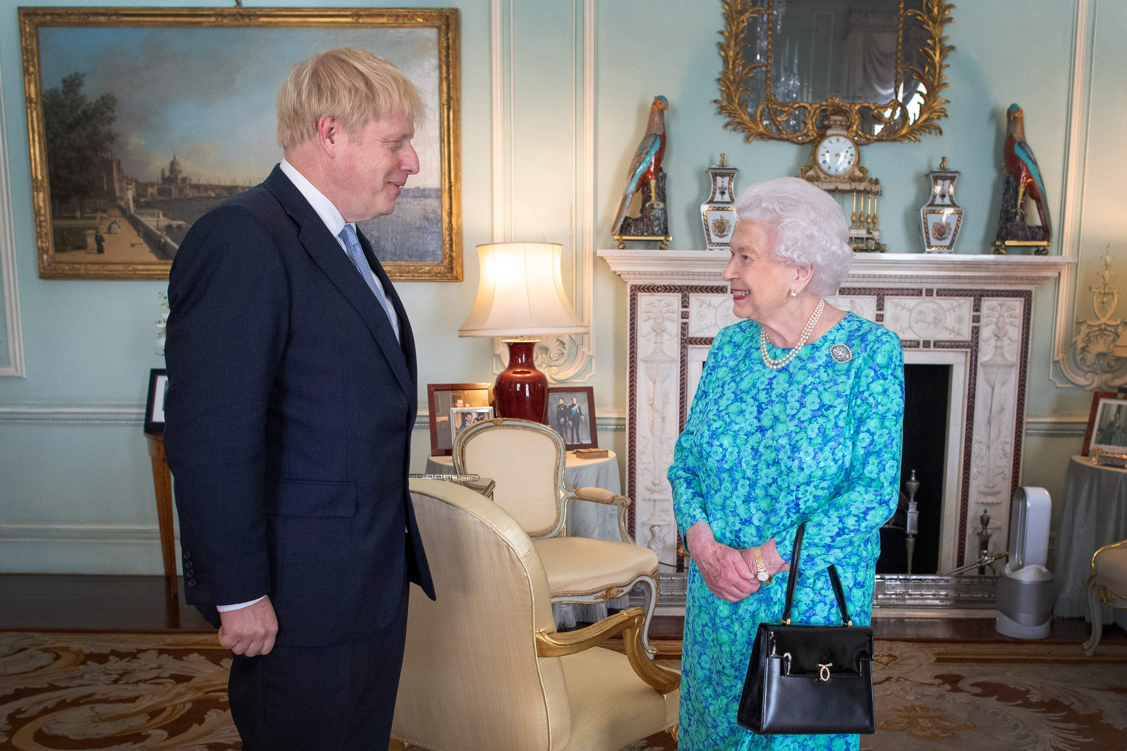 Boris Jonhson, Rainha Elisabeth, Parlamento britânico, Brexit, União Europeia