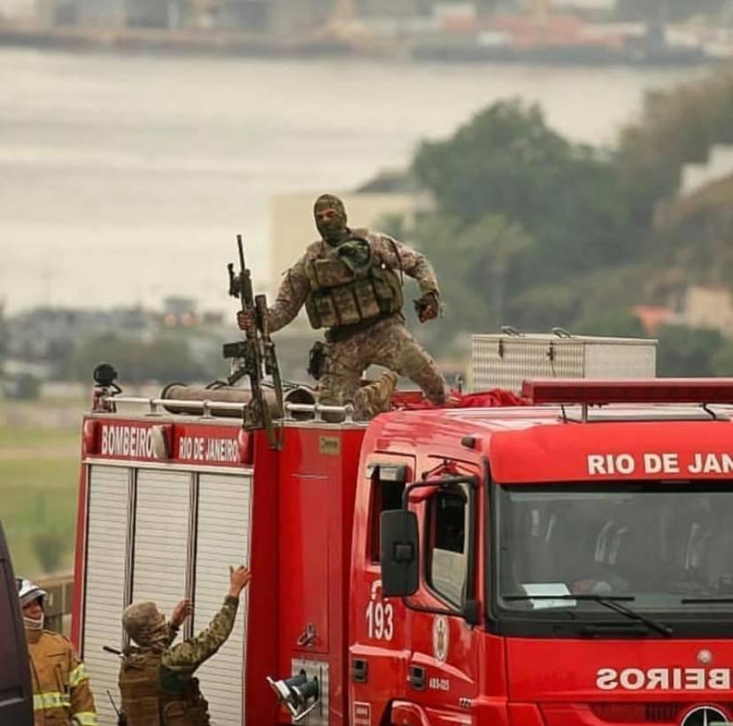 Sniper mata bandido no Rio