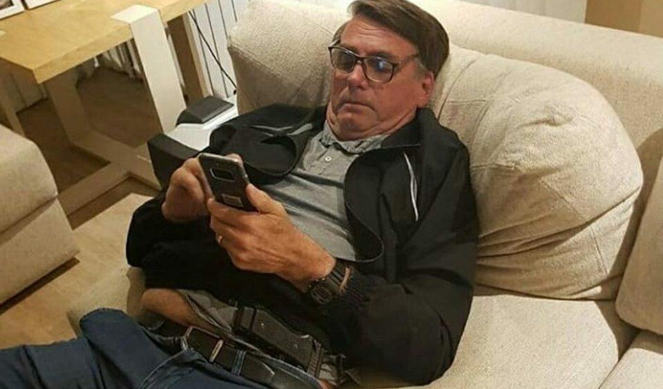 Bolsonaro WhatsApp celular
