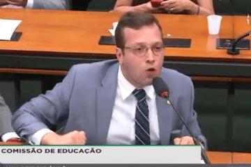 Filipe Barros, maconheiros, universitários