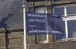 Transfobia, Reino Unido, Mulher