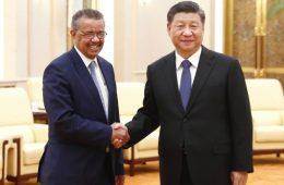 Tedros, da OMS, e Xi Jiping, ditador da China
