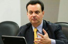 Gilberto Kassab revê planos de banda larga