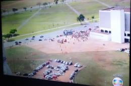Rede Globo cobre o Fora Temer em Brasília