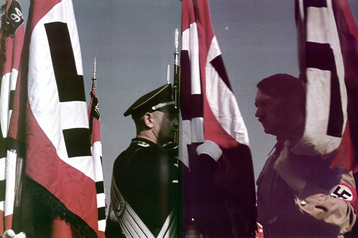 """Hitler e bandeiras nazistas com a suástica. O nazismo era """"de direita""""?"""