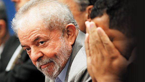 Lula tem de ser julgado pela Justiça, não pelas urnas