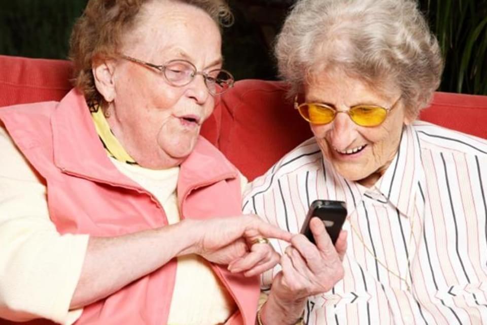 Tia Lourdes velinhas telefone Zap