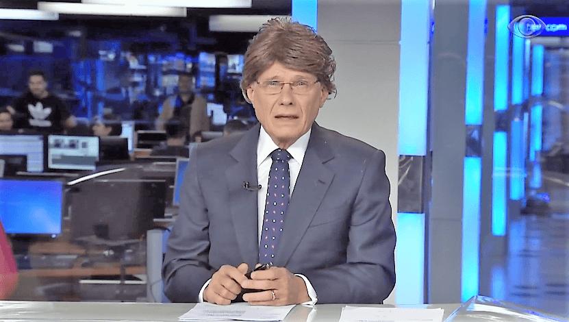 Ricardo Boechat de peruca