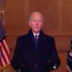 Biden não usa máscara após exigir uso de máscara em edifícios federais